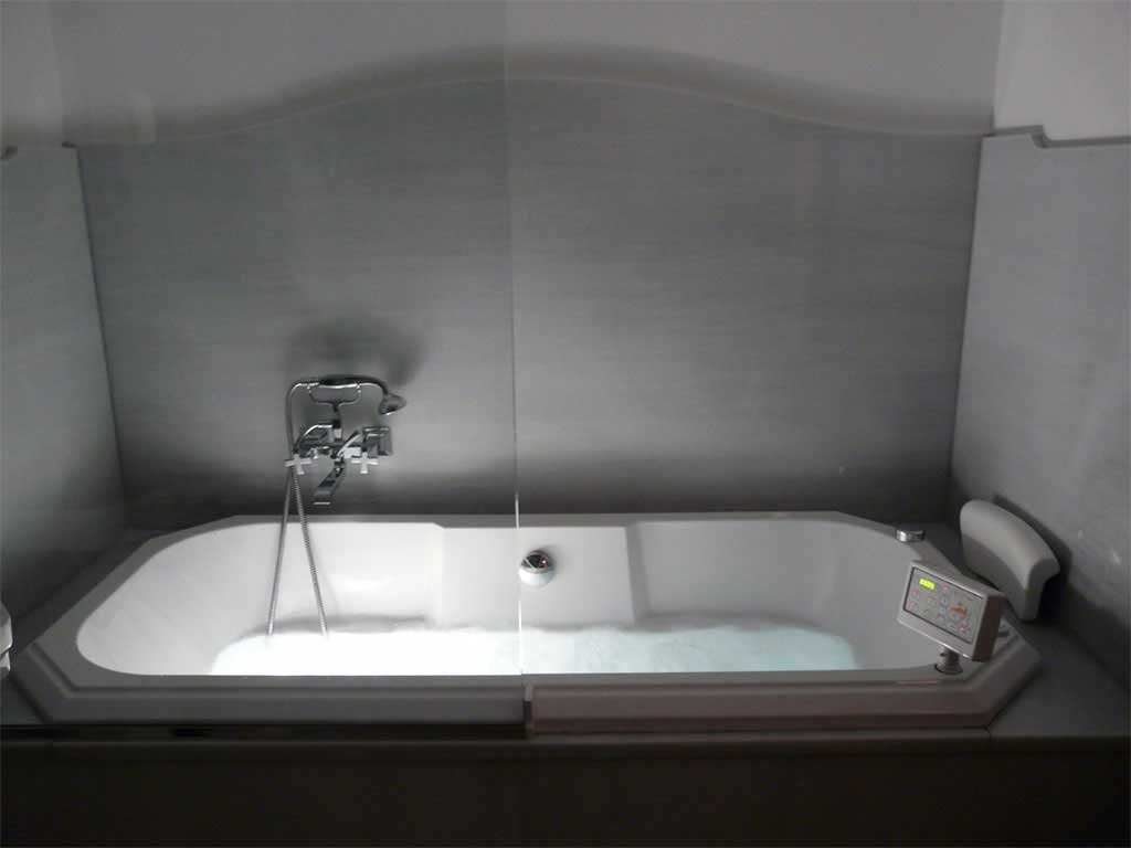 Doble Superior con Jacuzzi/bañera de hidromasaje.