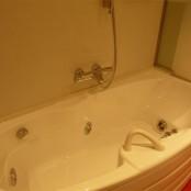 Detalle de la bañera de hidromasaje