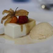 semifrio de queso de Radiquero y helado de vainilla
