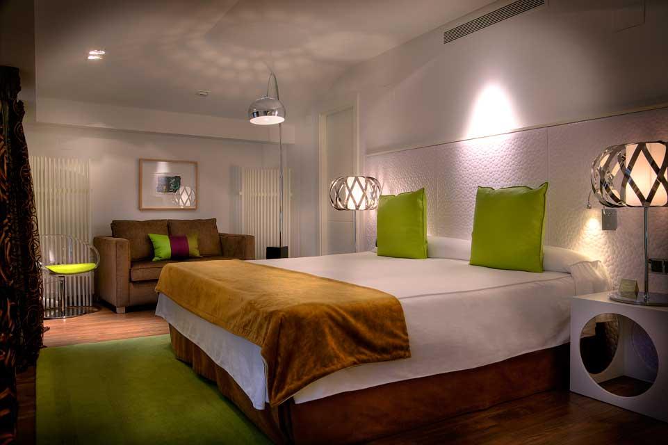 Habitaciones con jacuzzi rom ntico hotel spa con jacuzzi for Disenador virtual de habitaciones