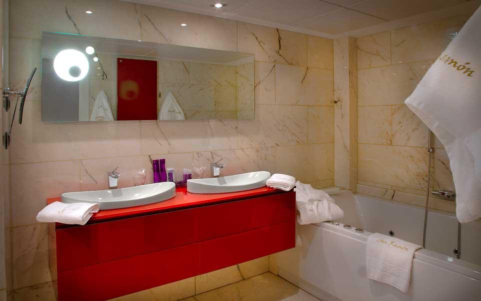 Suite Mirador con Jacuzzi/bañera de hidromasaje para parejas.