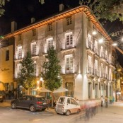 Fachada nocturna Hotel Spa San Ramón