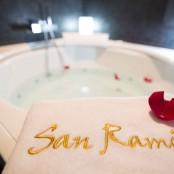 Suite de lujo San Ramón jacuzzi redondo parejas